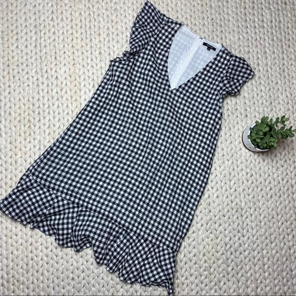 Madewell Dresses & Skirts - EUC Madewell Ruffle Gingham Shift
